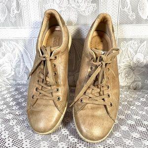 Ecco men's gold classic shoes